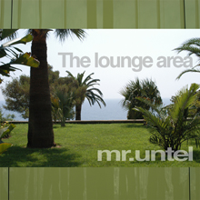 Untel_mr_ELLIOTMUSI_aw_Lounge area